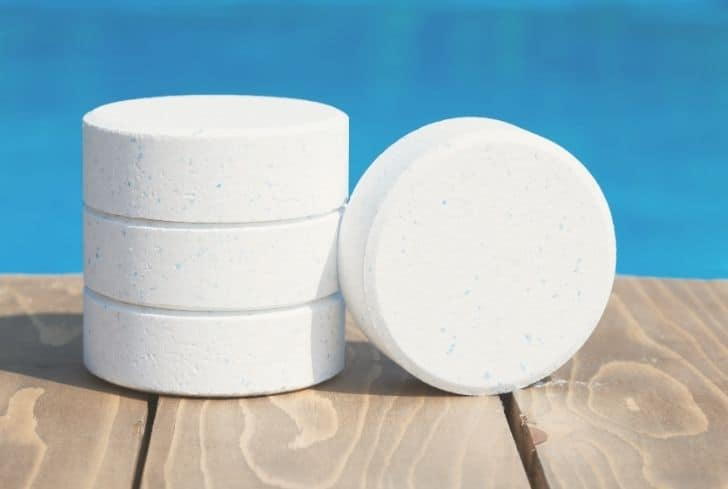 chlorine-tablets-pool
