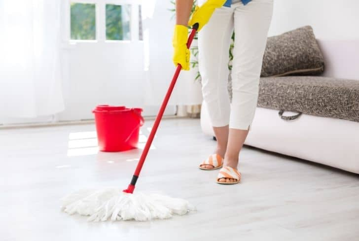 clean-dust-from-floor