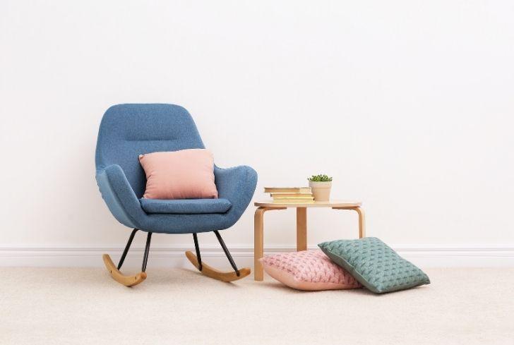 blue-chair-on-carpet
