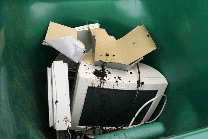 computer-in-trash