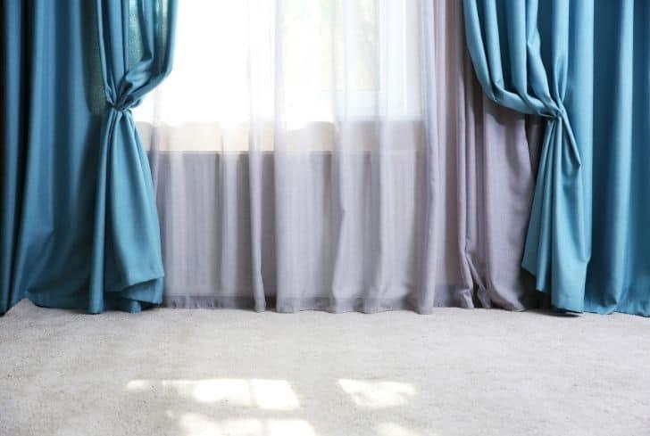 closed-curtains